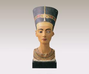 王妃ネフェルティティの胸像