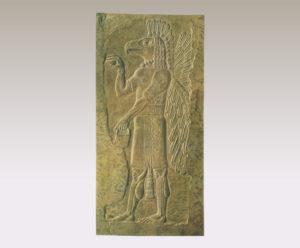 鷲の頭をもつ有翼の精霊