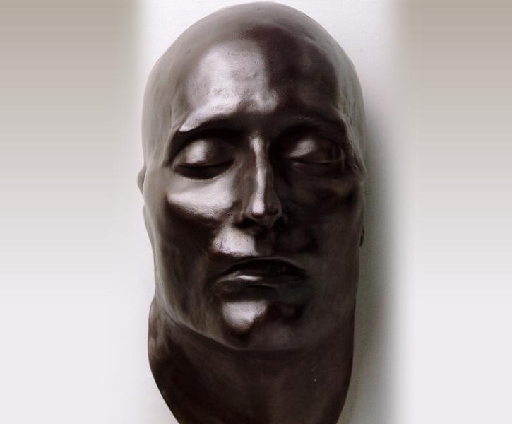 ルーブル彫刻美術館 展示作品 ナポレオンのデスマスク