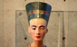 ルーブル彫刻美術館 王妃ネフェルティティの胸像