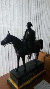 馬にまたがっているナポレオン